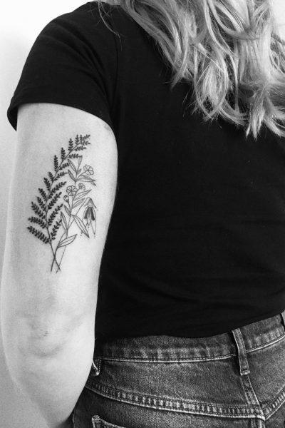 zelie-tatouage-composition-florale-bras